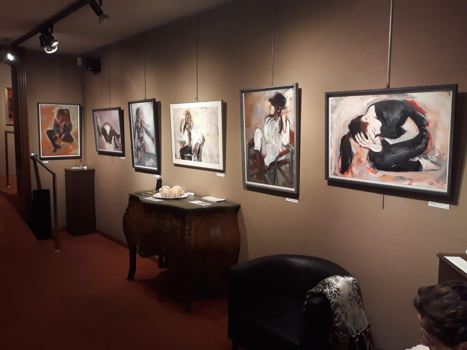 http://esteveprat.cat/wp-content/uploads/04-galeria-art-mar-bcn-grup-art-escola-2019.jpg